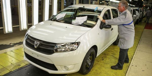 Dacia câștigă imagine în România Oamenii încep să asocieze Dacia şi Renault cu ideea unei cariere reușite